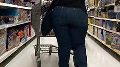 Big ass Latina milf